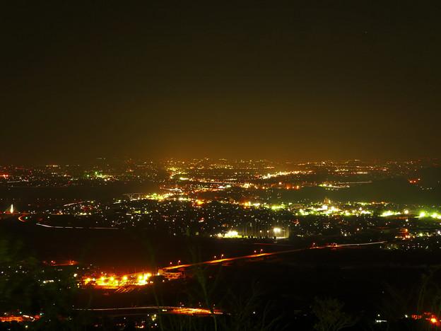 善光寺平(千曲市・長野市)の夜景。