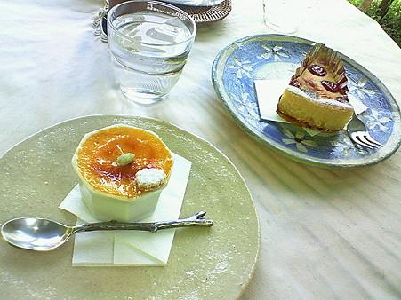 ぬくもりの森お菓子(プリン、ケーキ)
