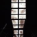 高架下のステンドグラス