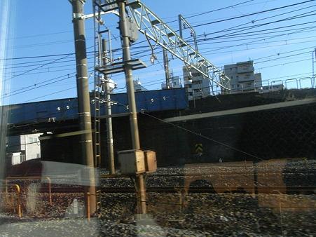 E231系湘南新宿ライングリーン車1Fの車窓4