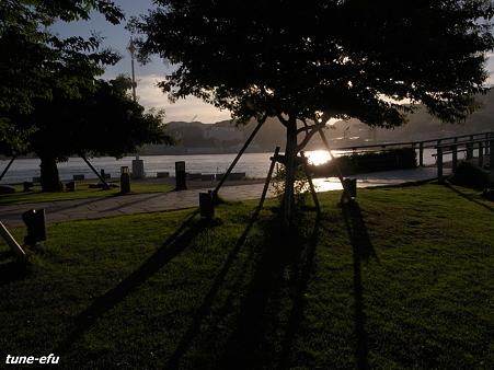 夕暮れ公園