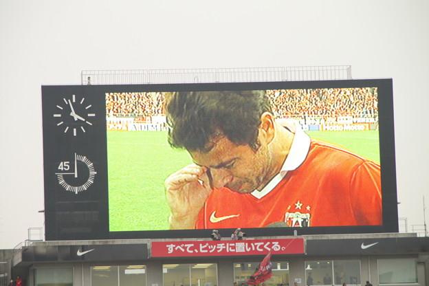 064 ロビー号泣