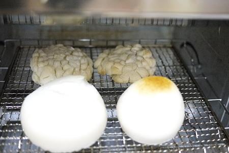鏡割りで母作のお餅を焼いたら大変なことに!