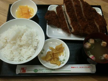 串鳥 ビッグチキンカツ定食