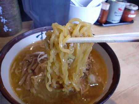 すみれ 札幌南3条店 麺