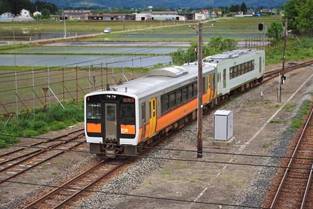 坂町へ向かう米坂線