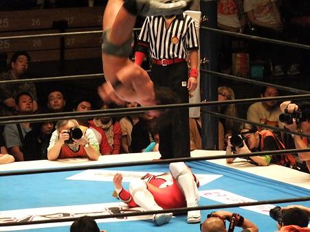 新日本プロレス BEST OF THE SUPER Jr.XIX Aブロック公式戦 獣神サンダー・ライガーvsPAC (8)