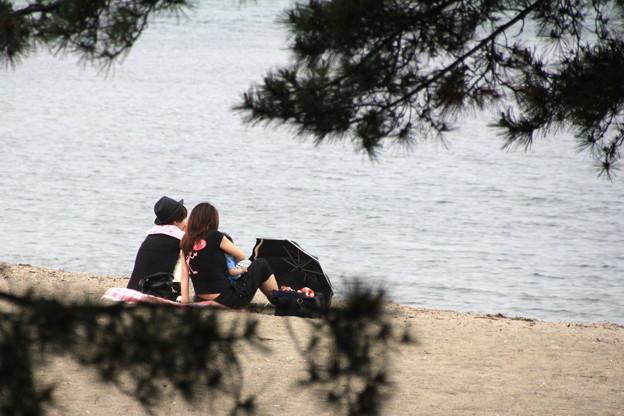 合浦公園・渚の二人01-12.07.04