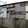 Photos: IMGP8627+1 堤防と一体化した物件群