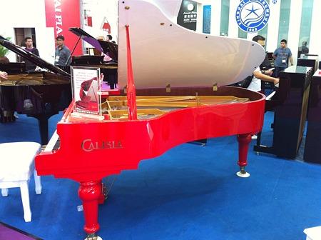 中国製ピアノ