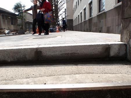 東京工業大学本館 歩道
