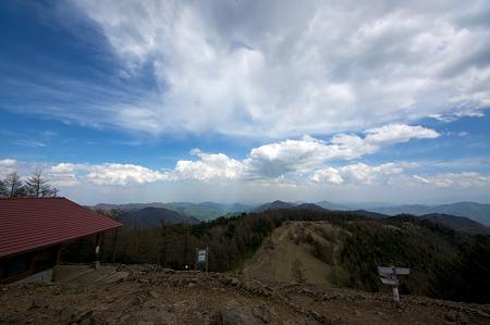 雲取山山頂付近の眺め