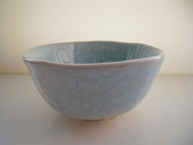 写真: 青磁氷製貫入茶碗s