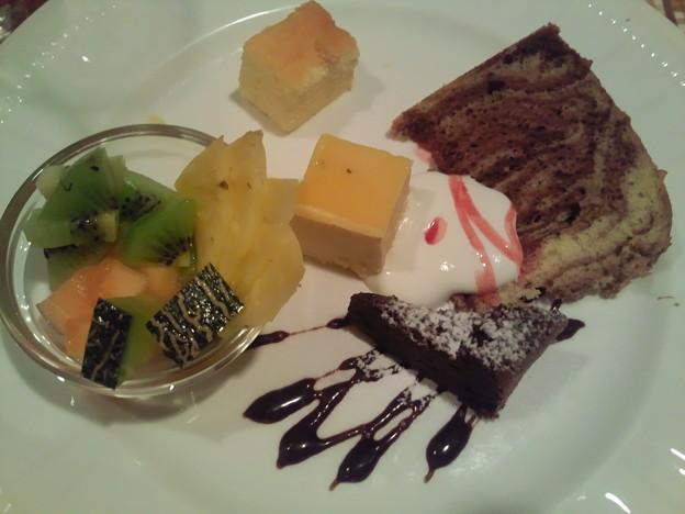 写真: 沖縄 西原町 洋食亭ウエダ デザート5種盛り