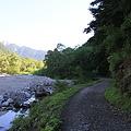 写真: 100721-44梓川沿いの道