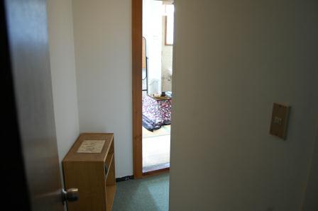 客室のドアを開ける