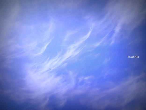 雲・・・流れるように