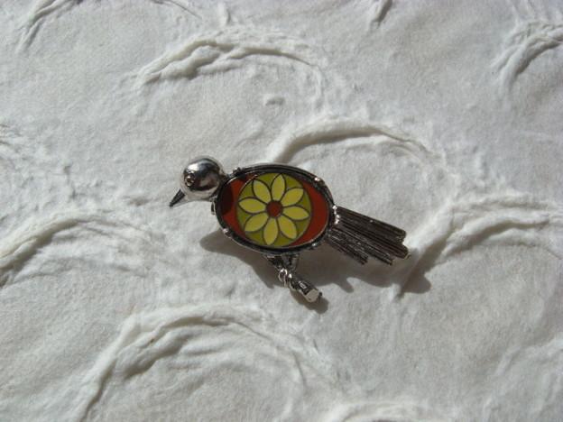 小鳥のブローチ