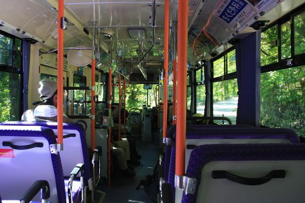 別当出会行きバス車中