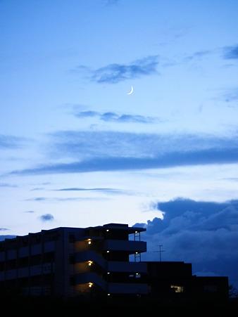 月が良い位置にきてくれた