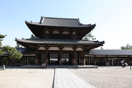 c-110505-151904 法隆寺 中門