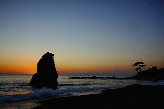 夕暮れの秋谷海岸DSC1041