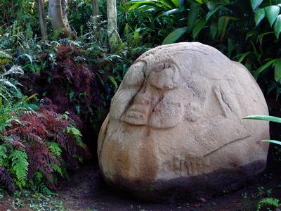 3つ目の石像