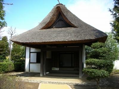 藁葺きの蔵